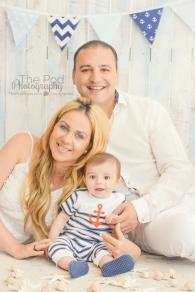 nautical-inspired-studio-family-picture